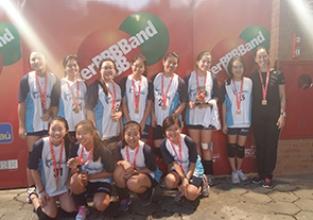 Equipe de voleibol feminino é campeã do Interband 2015