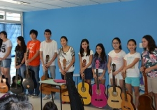 Alunos do curso de violão revelam seus talentos