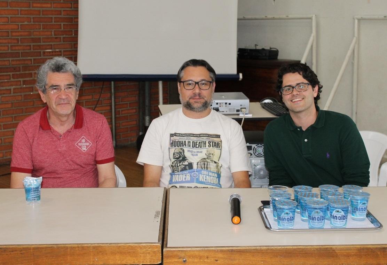 Os professores Acácio, Michael e Renato mediaram o debate no evento de abertura da Semana da Consciência Negra