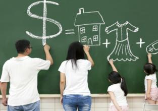 Pioneiro conta sua experiência com educação financeira em feira do setor