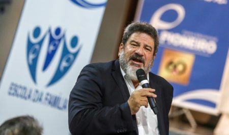 Mario Sergio Cortella fala sobre família e ética no Pioneiro